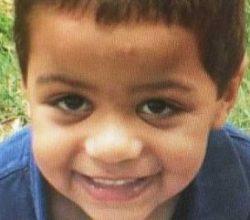 7 yaşındaki oğlunu öldürüp cesedini domuzlara yedirdi