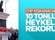 Ali Ağaoğlu Atatürk heykelinin açılışını yaptı