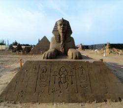 Antalya'da dünya harikalarını 10 bin ton kumla yaptılar