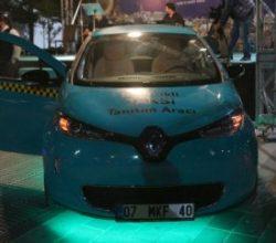 Elektrikli taksiler Taksim Meydanı'nda görücüye çıktı