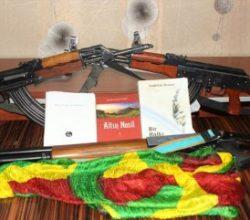 Evinde FETÖ, PKK ve DEAŞ materyalleri ele geçirildi