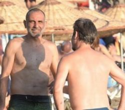 Gürkan Uygun halk plajında