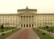 İngiltere, Kuzey İrlanda'nın bütçe yönetimine el koydu