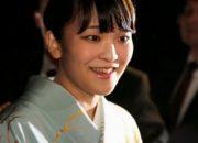 Japon prenses evlenmek için unvanından vazgeçti