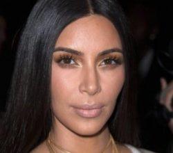 Kim Kardashian kardeşini taşıyıcı anne yapacak