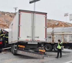 Konya'da kamyonlar kafa kafaya çarpıştı: 1 ölü