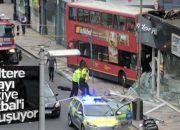 Londra'da otobüs dükkana girdi