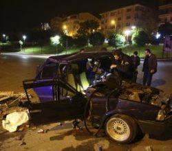 Polisten kaçarken kaza yapan hırsızlar yakalandı