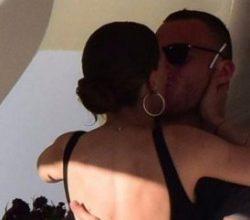 Serenay Sarıkaya'dan Kerem Birsün'e öpücüklü teşekkür