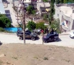 Şırnak'ta zırhlı polis aracı devrildi