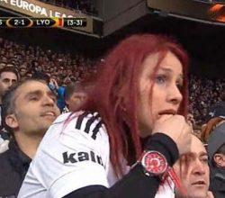 TRT maçta en çok onu gösterdi kim bu kızıl saçlı kadın?