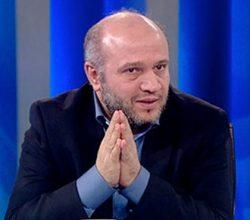 Yeni Şafak yazarı 'gevşek AKP'lileri' yazdı
