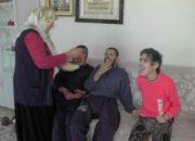 Yılın annesi Muş'tan: Engelli 3 çocuğuna hayatını adamış